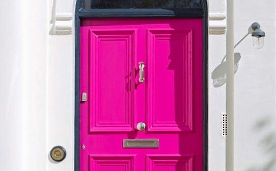 Knock, Knock! Colour calling!